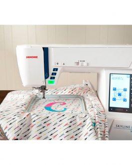 Máquina doméstica de coser y bordar Janome Skyline S9